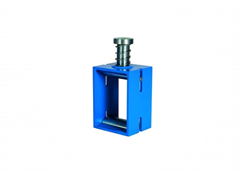 SPLITTING TENSILE TEST DEVICE FOR CONCRETE CUBES